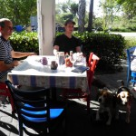Sanibel's most dog-friendly restauarant, the Over Easy Cafe